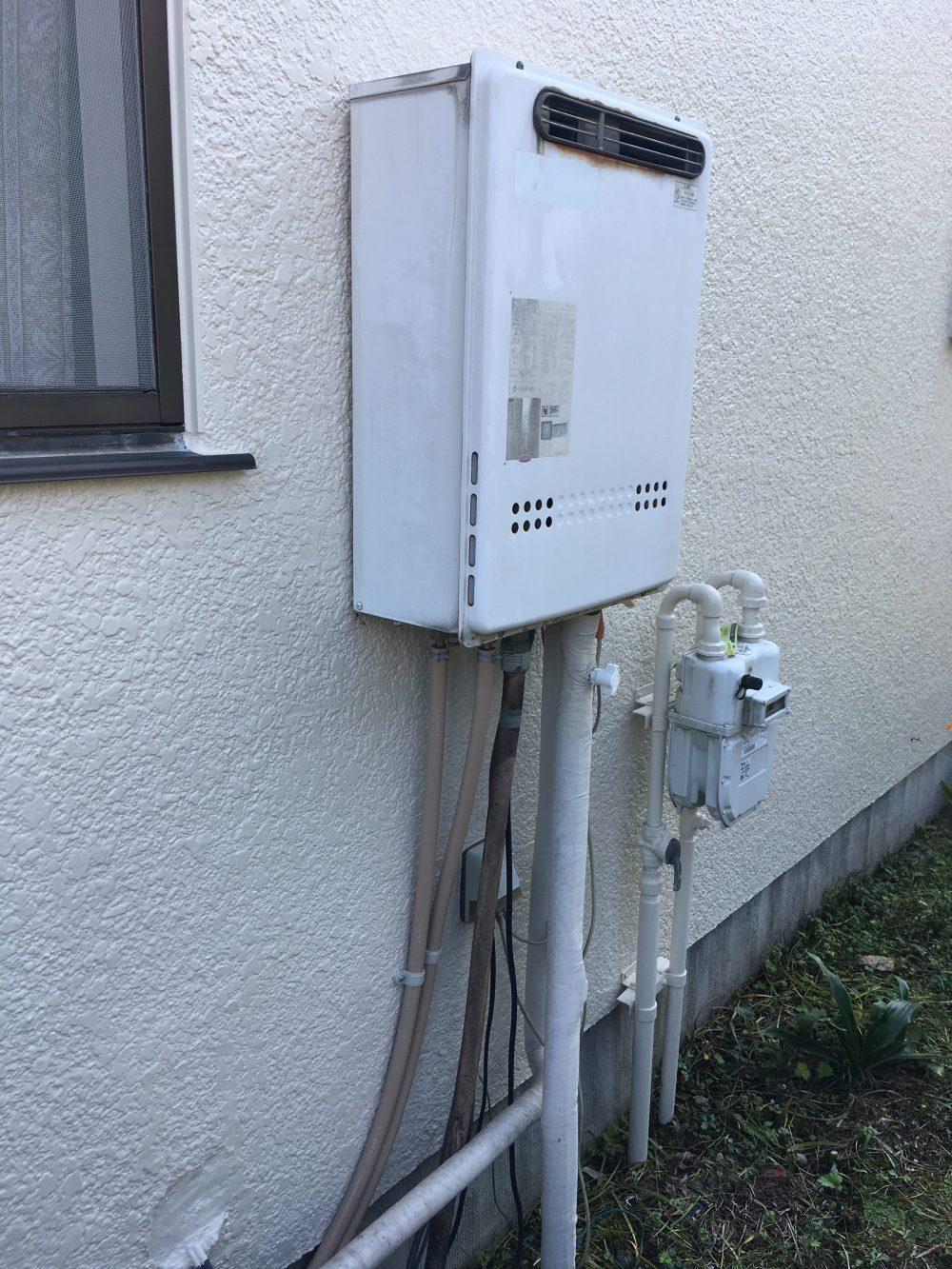 高崎市でガス給湯器交換工事完了!が、外壁の塗装が必要に… – ミヤケンリフォーム