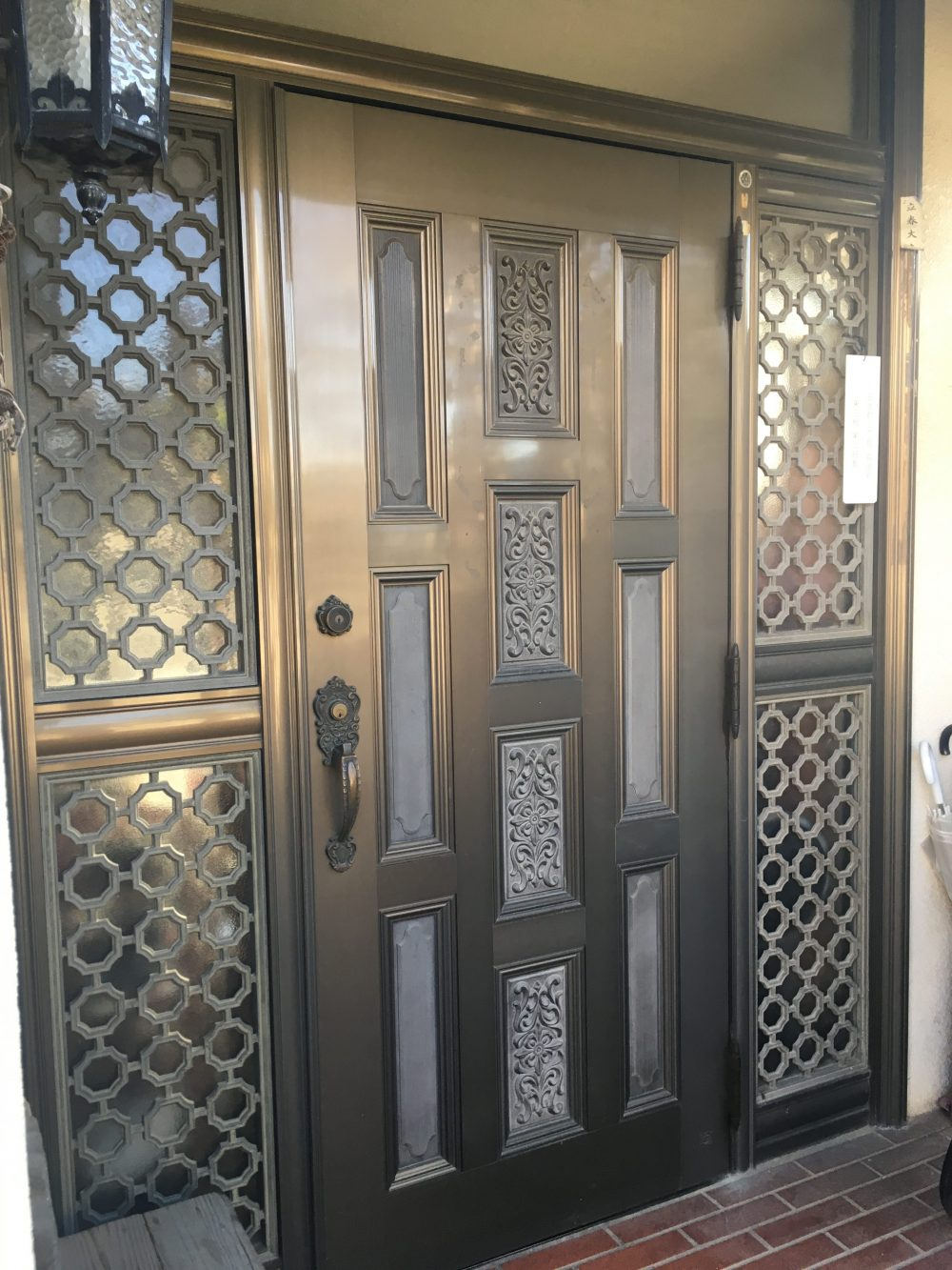 前橋市にて玄関ドアリフォーム(LIXILのリシェント)のお見積り – ミヤケンリフォーム