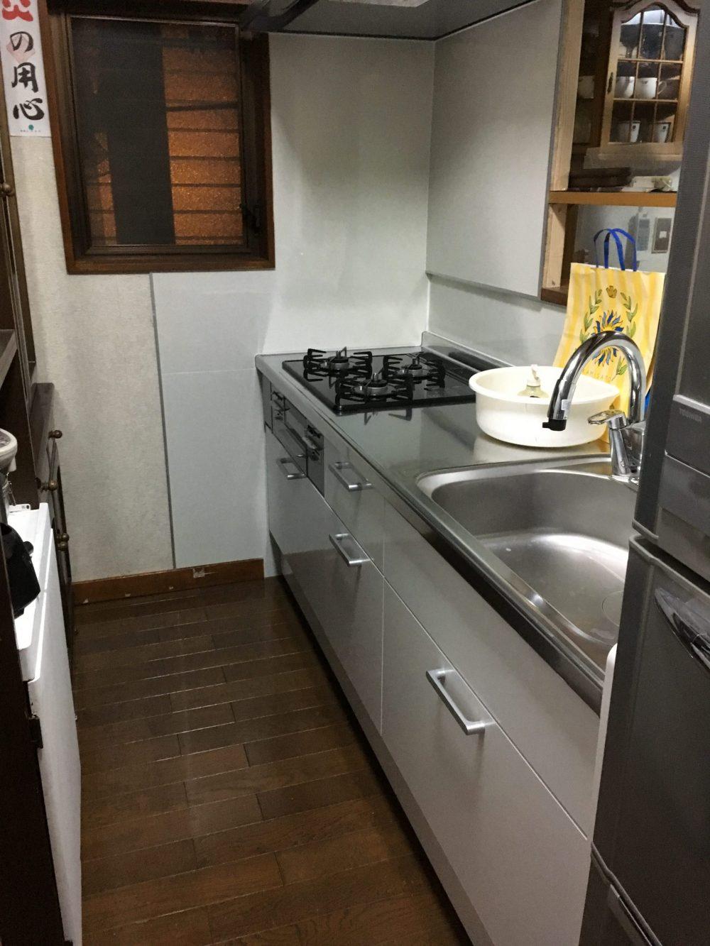 高崎市にてリクシルの「アレスタ」へキッチン交換工事