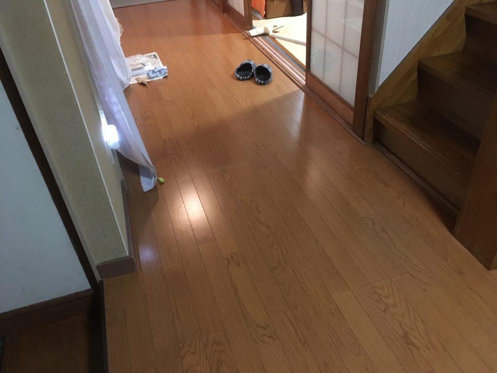 前橋市にてお家の廊下のフローリング工事(上張り)完工! – ミヤケンリフォーム