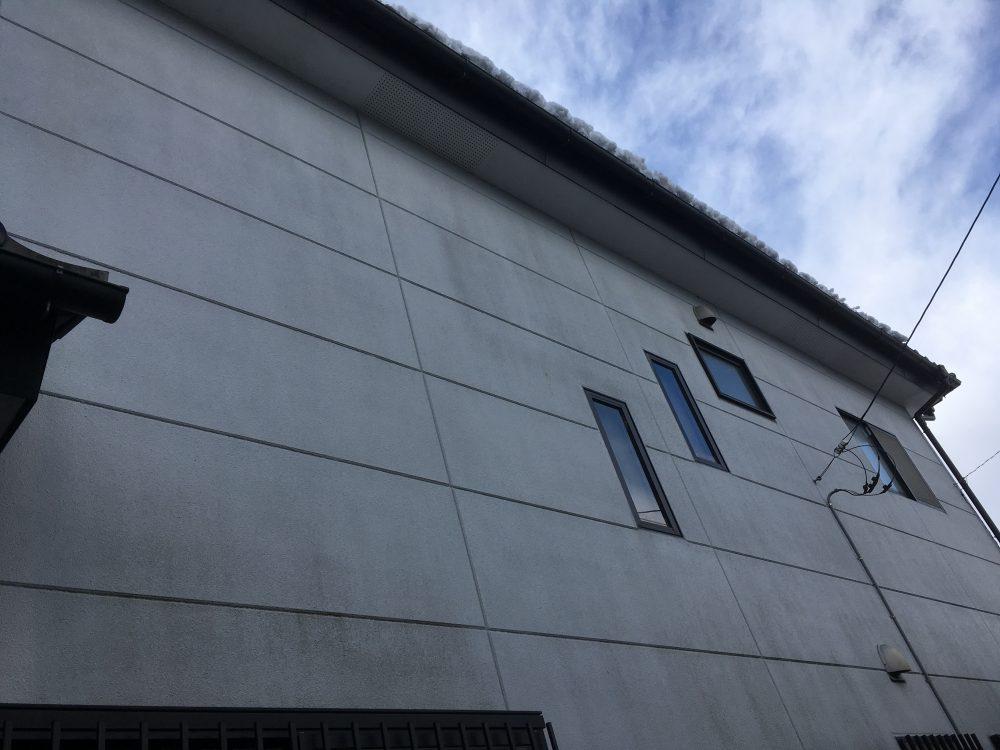 塗装工事の調査では浴室の窓枠下に注意して見て下さい! – ミヤケンリフォーム
