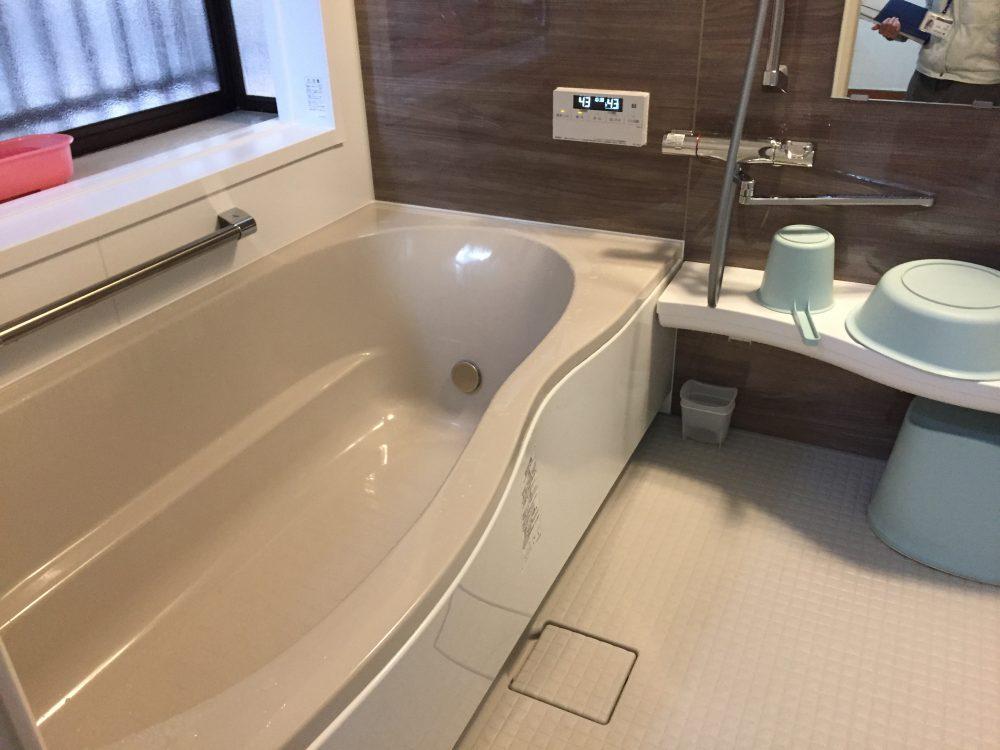 前橋市N様邸の浴室交換工事が完了しました – ミヤケンリフォーム