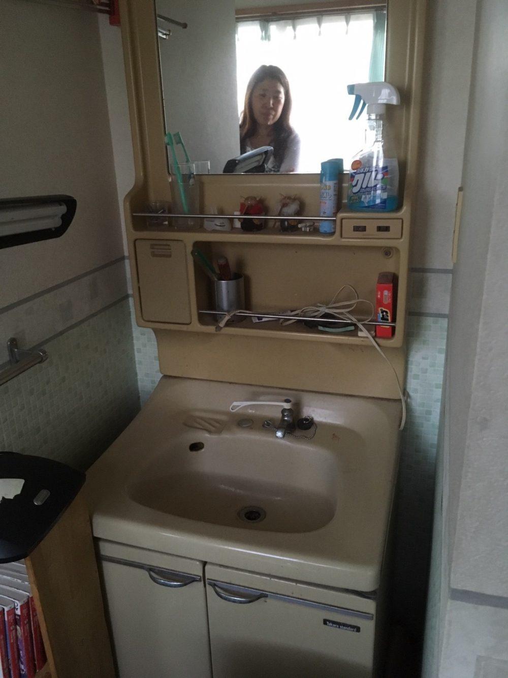 洗面化粧台であったかいお湯が使えるようになります! – ミヤケンリフォーム