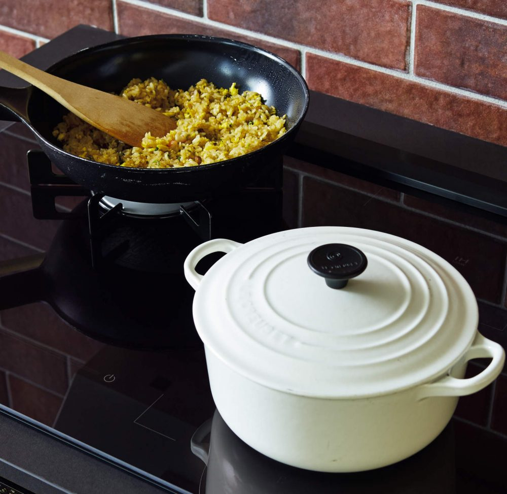 IHもガスコンロも取り込んだクリナップの最新のキッチン  – ミヤケンリフォーム