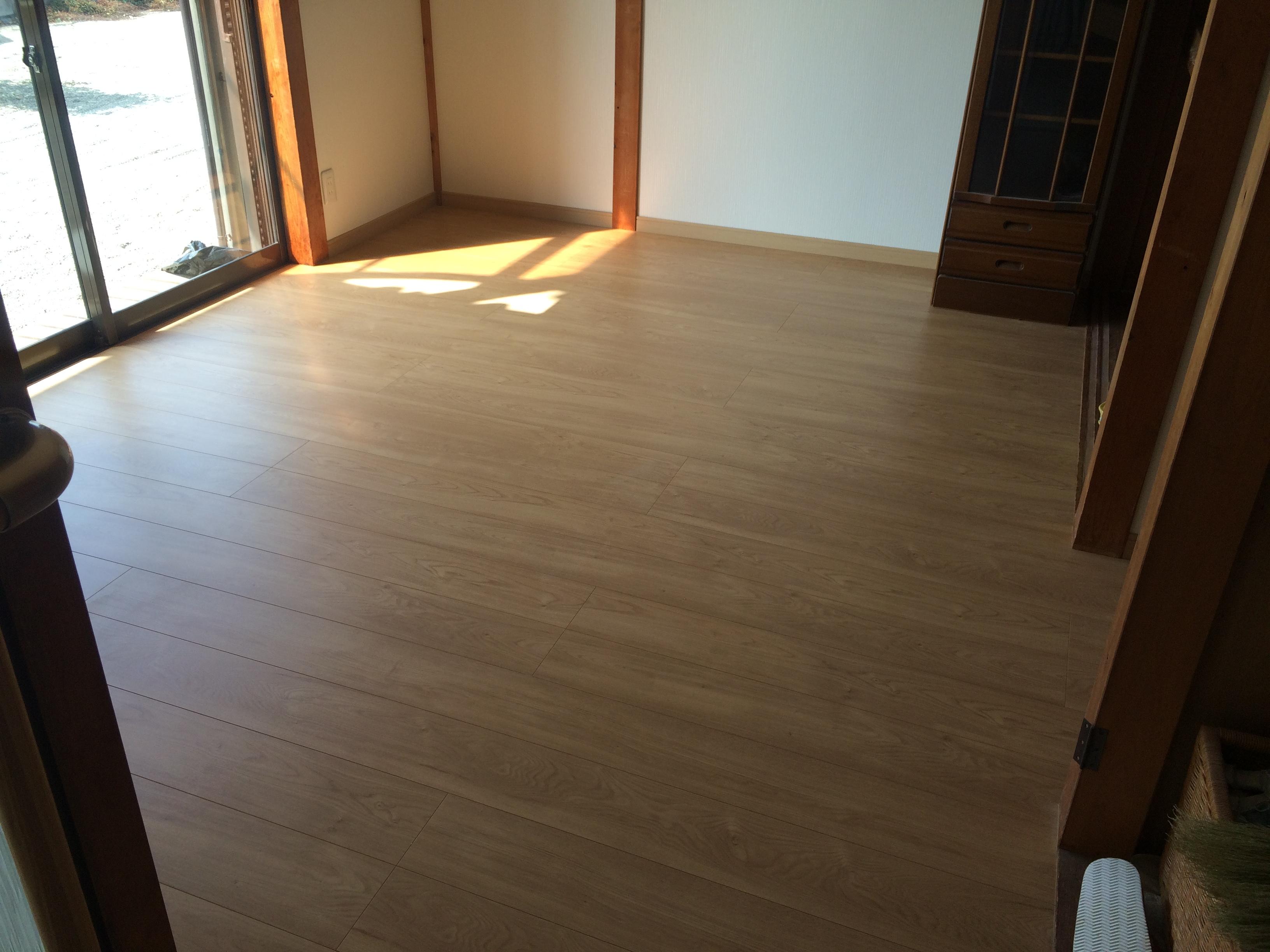 和室から洋室に、床壁リフォーム