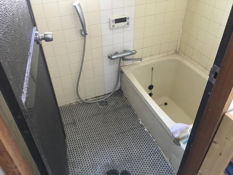 館林市にて浴室工事のお見積りにお伺いいたしました!