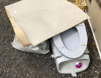 トイレ便器・床撤去後