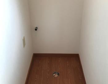 解体後、床壁張り替え後