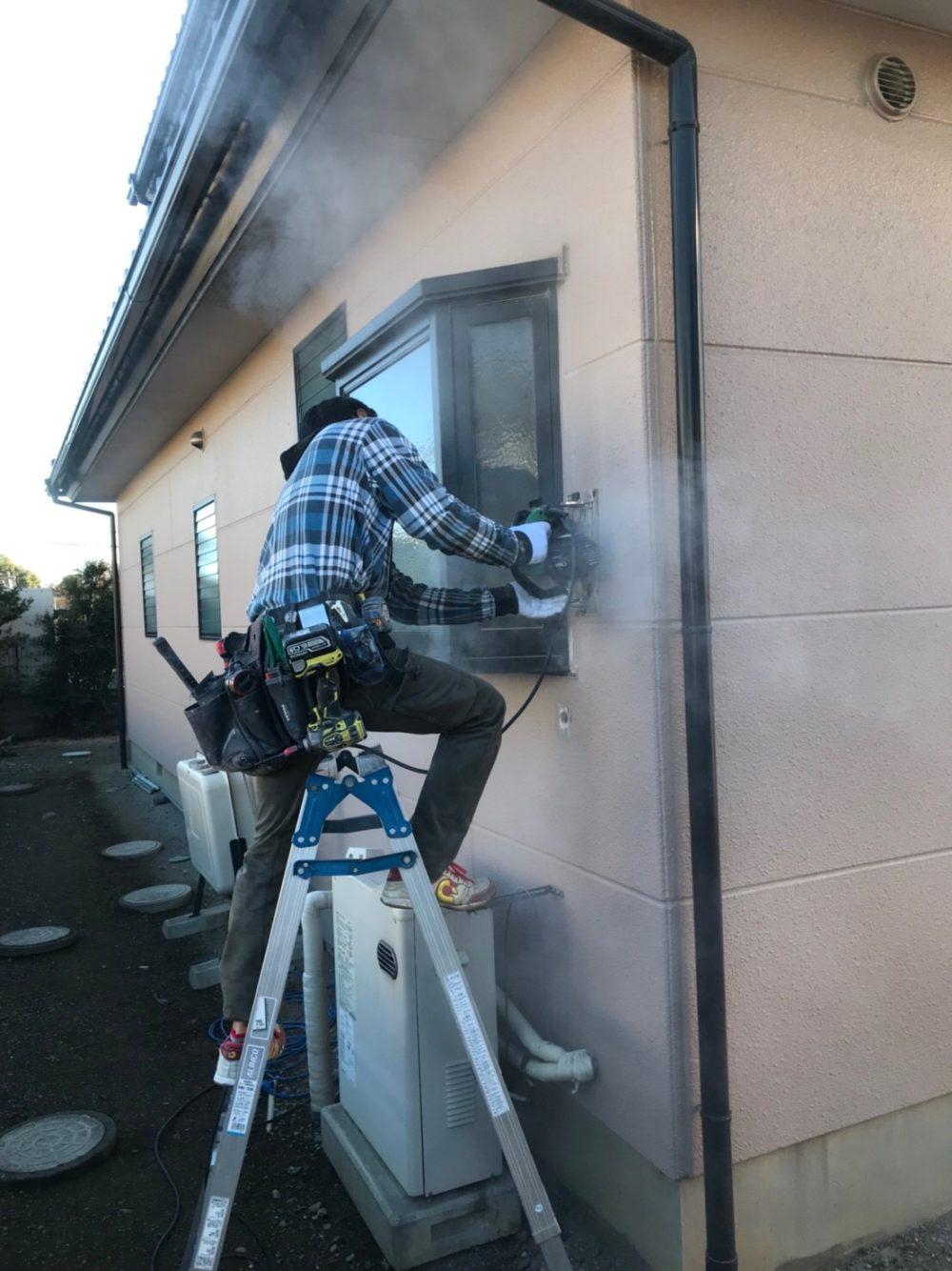 浴室の交換工事と一緒に窓の交換工事を行いました