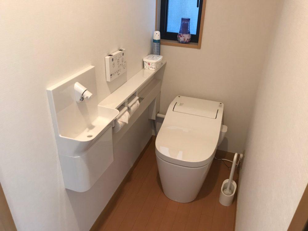 ご予算に合わせたトイレ工事ならミヤケンにお任せ!~高崎市にて手洗いカウンター付トイレ工事が完了しました。