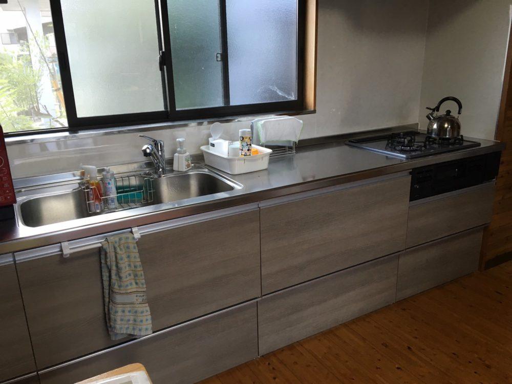 吾妻町のお家にてキッチンLIXIL【ラクエラ】の交換工事が完了しました!