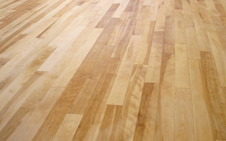 フローリングにも種類があります。合板と無垢材の違いと特徴とは?