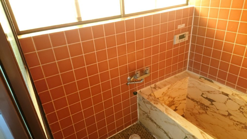 高崎市にてお風呂工事の現場調査に行ってきました。